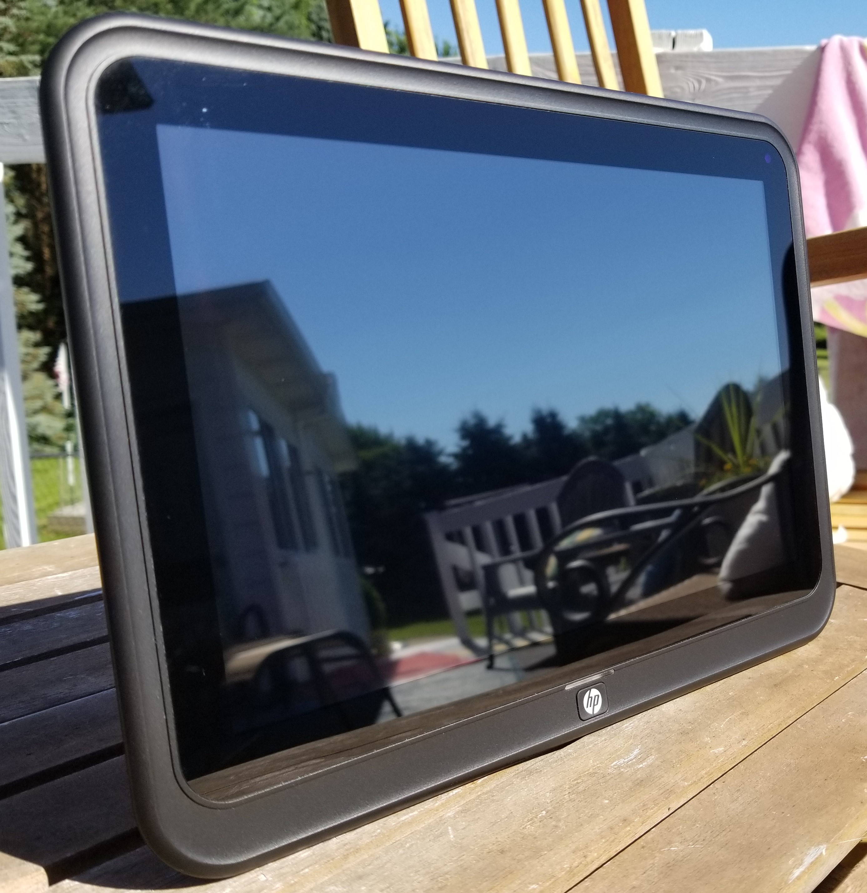 A Thousand Pictures in One – An HP Digital Photo Frame